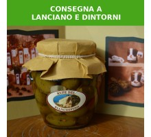 Olive verdi schiacciate e condite